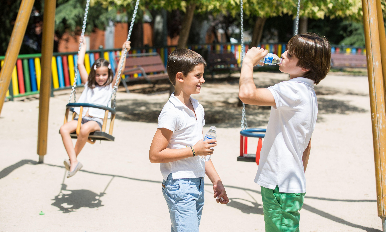 Beneficios de la hidratacion en la infancia