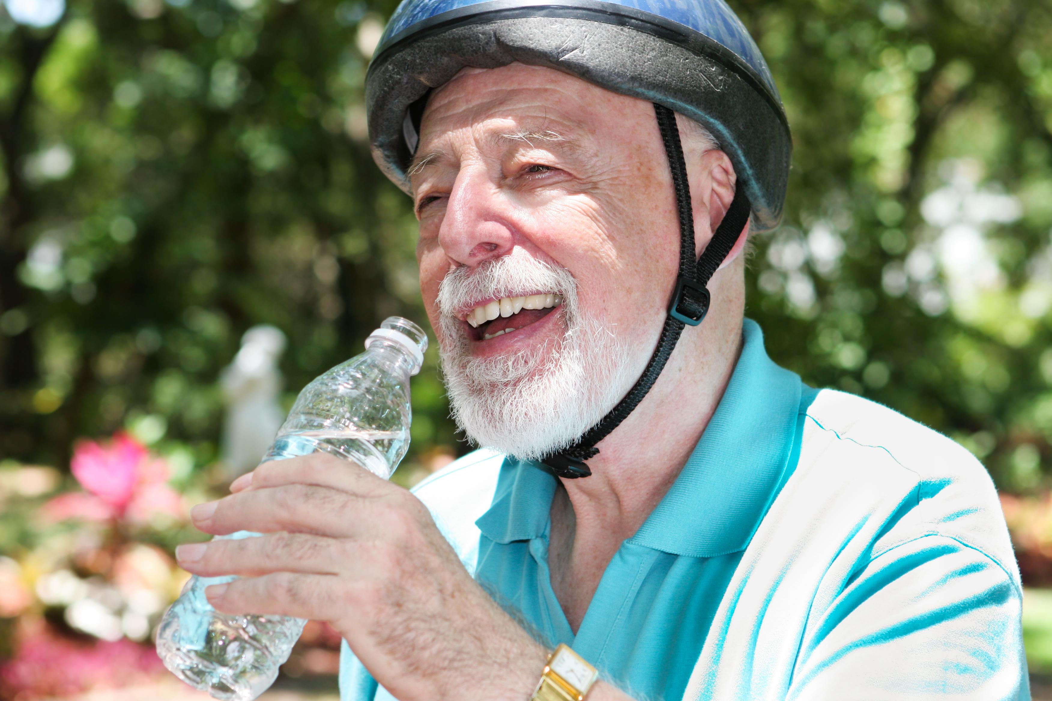 Beneficios de la hidratacion en personas mayores