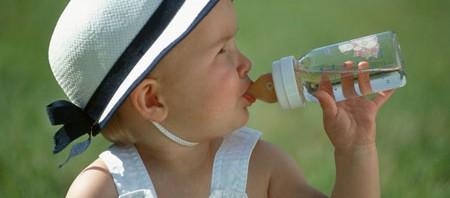 agua mineral para el biberón de tus hijos
